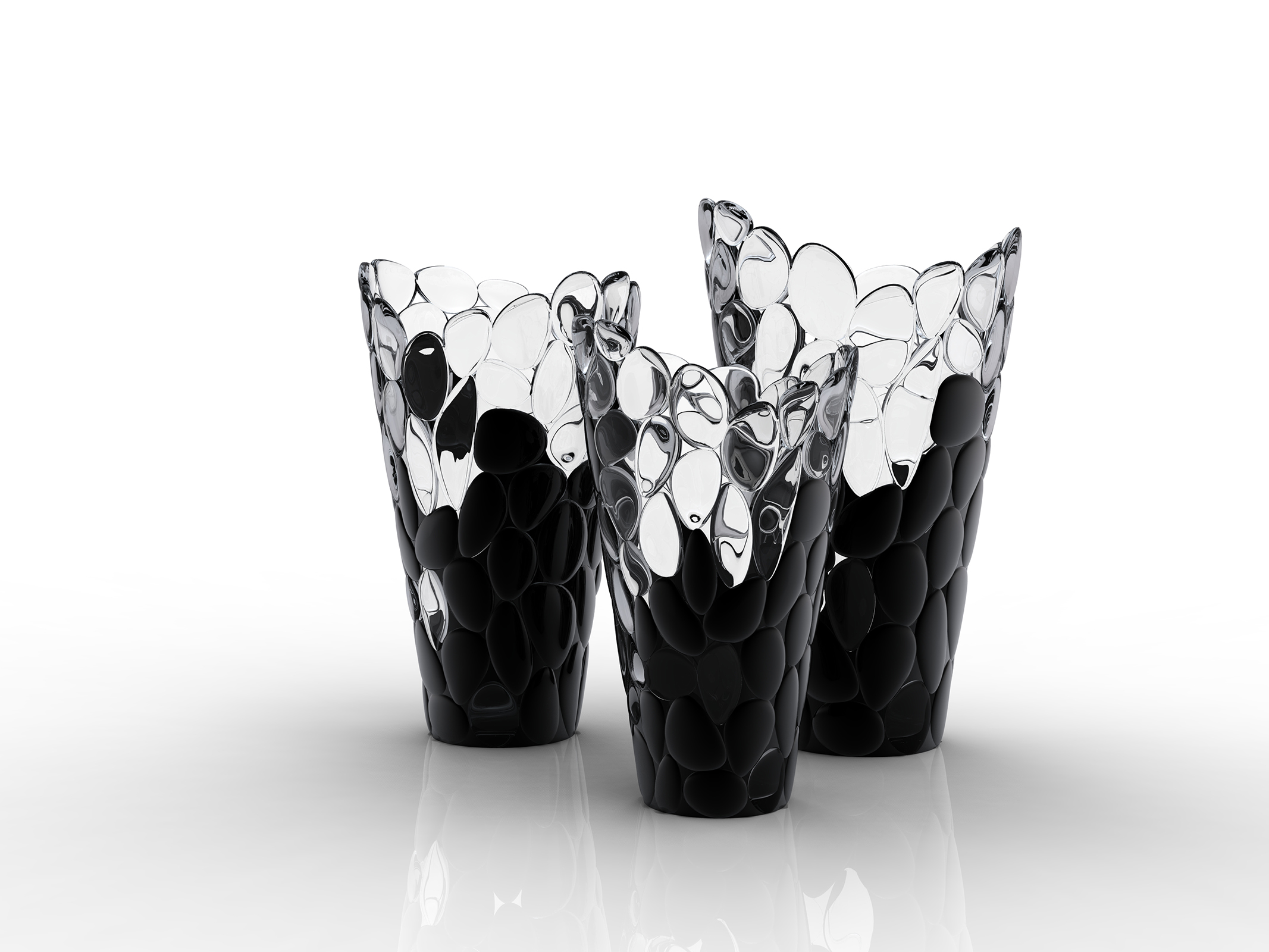 VASE ô, cristal and black by Eugeni Quitllet with Kartell